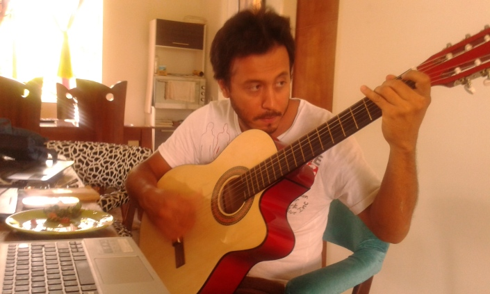 Juan Camilo Medina chitarra