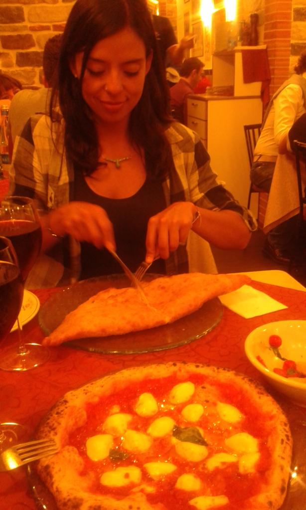 Napoli, pizza starita materdei