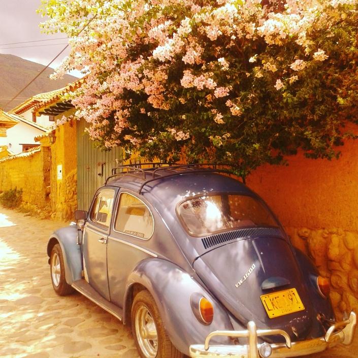 blog crescita personale meditazione spiragli di luce un maggiolino parcheggiato al sole
